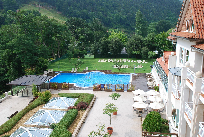 Hotel con piscina gratuita en cantabria hotel con piscina - Piscinas en santander ...