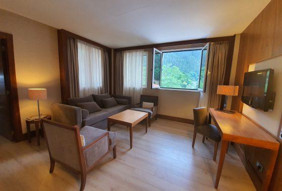 Suite del Gran Hotel Balneario Spa de Puente Viesgo en Cantabria