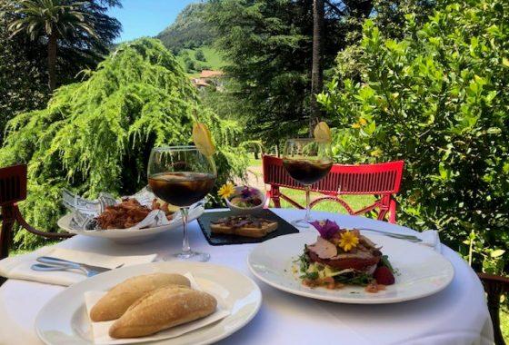 Comidas y cenas en terraza Cafetería