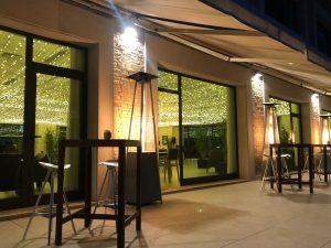Lounge Bar con terraza exterior
