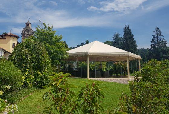 restaurante abierto ubicado en carpa jardines